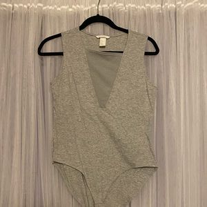 2/$8 H&M Bodysuit - Size M